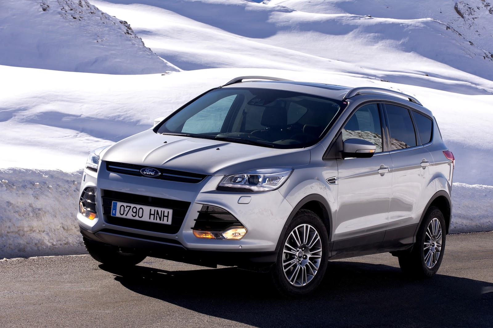 der neue ford kuga die zweite modellgeneration des. Black Bedroom Furniture Sets. Home Design Ideas
